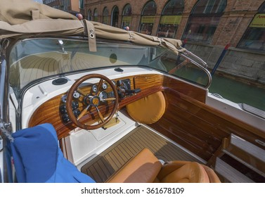 BURANO,ITALY-CIRCA SEPTEMBER 2015: boat on Burano channel