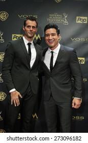 BURBANK - APR 26: Cameron Mathison, Mario Lopez at the 42nd Daytime Emmy Awards Gala at Warner Bros. Studio on April 26, 2015 in Burbank, California