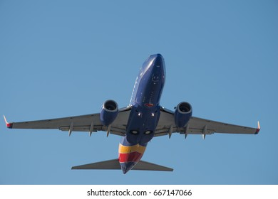 BURBANK, CA/USA - JUNE 26, 2017: Southwest Airlines Boeing 737 departs from Bob Hope Airport.