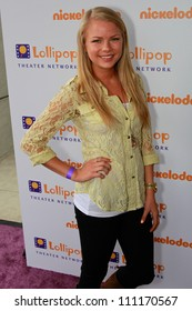 BURBANK - MAY 7: Kelli Goss attends Lollipop Theater Network 3rd Annual Game Day at Nickelodeon Animation Studios , May 7, 2011 in Burbank, CA