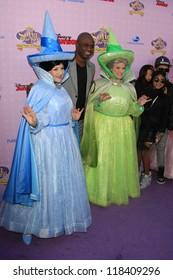 BURBANK - NOV 10: Wayne Brady at the premiere of Disney Channels' 'Sofia The First: Once Upon a Princess' at Walt Disney Studios on November 10, 2012 in Burbank, California