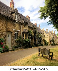 Burford  medievil town Cotswold
