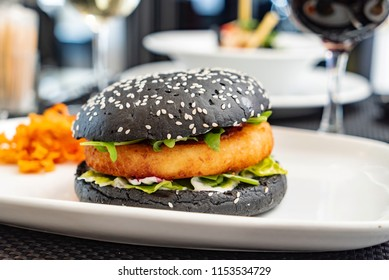 burger in the cafe