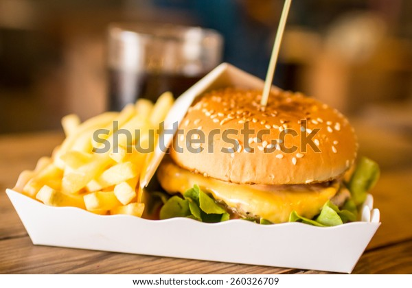 burger with chips and coke 3
