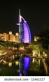 BUrj Arab Night-view over Waterway