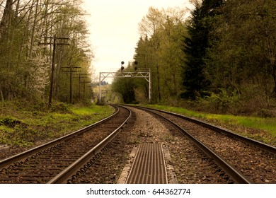 Burnaby BC, Canada: Curved railroad track.