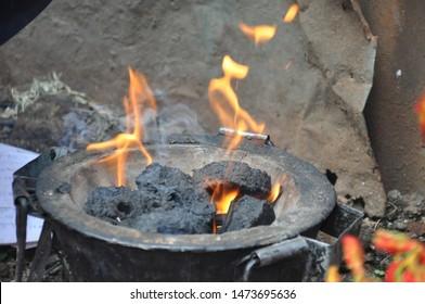 Burning briquette, cheap source of fuel in Africa, Charcoal briquette