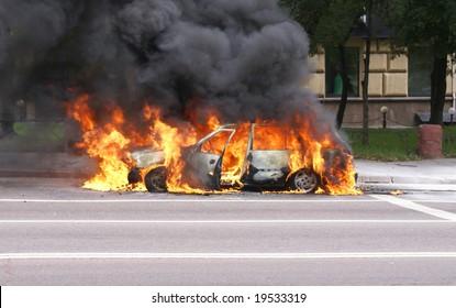 Imágenes, fotos de stock y vectores sobre Bomb Fire Car