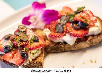 Burrata Berry Toast