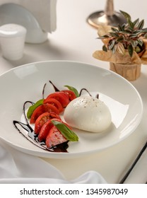 burrata with fresh tomatoes