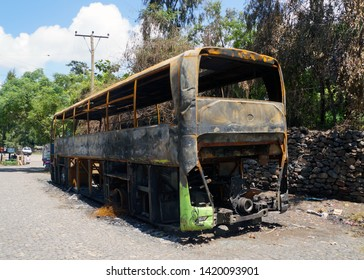 Bus burned by protesters in Gondar, Ethiopia