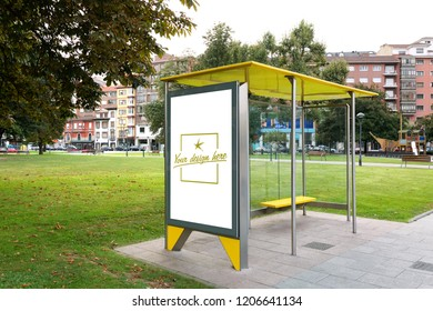 Bus canopy with customizable design in a city park