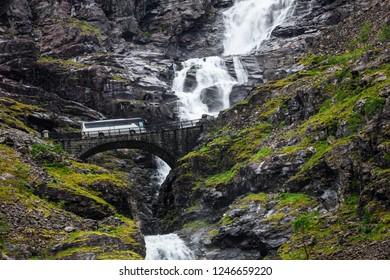 bus on the Trollstigen mountain route