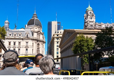 Bus sightseeing tour for tourists, Buenos Aires Argentine