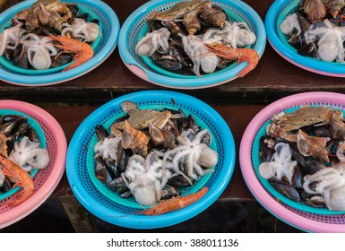 BUSAN, SOUTH KOREA - SEPTEMBER 28, 2015: Sea food for sale in Busan.