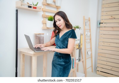 Business Asia women on Office for rent.