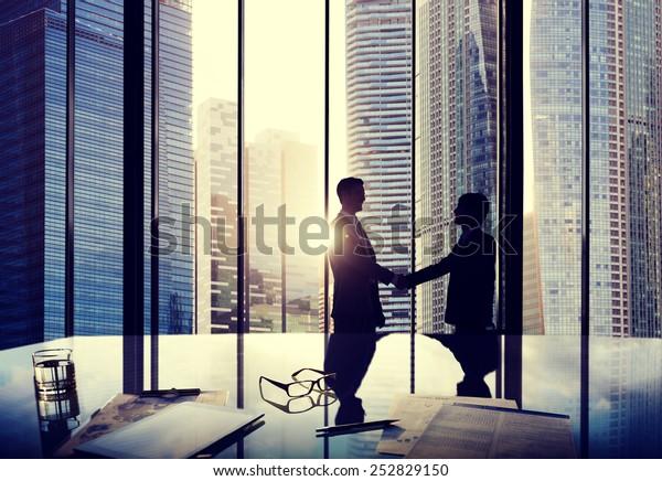 Деловое соглашение о партнерстве по сделка-командная команда Концепция офиса