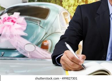Business man plan for use vintage green wedding car