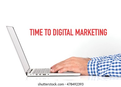 BUSINESS OFFICE BUSINESSMAN WORKING AND TIME TO DIGITAL MARKETING CONCEPT