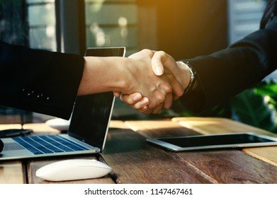 Business partner shake hands for succesful project