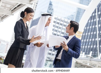 Business People and Arab people Work  Together. People talking for Arab People with Business project with team. Business working concept.