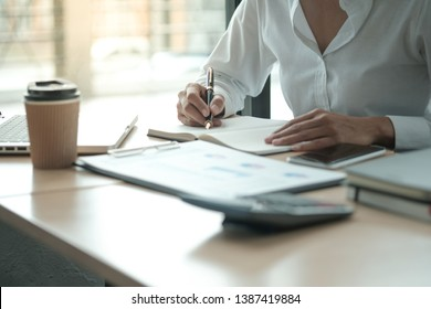 Business People Meeting Design Ideas professional investor working new start up project. Concept. business planning in office.
