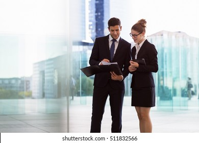 business people meeting in financial district