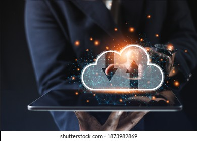Business people use laptop to analyze business data cloud technology Business cloud thinking