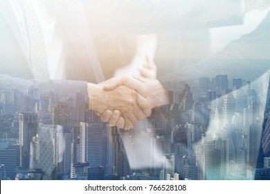 business shake hands showing Trustworthy team work .Managing small businesses with incentives to work as a system incorporating a strong network. Lead to a successful business.