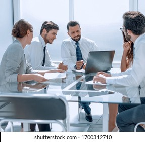 business team is discussing business issues.