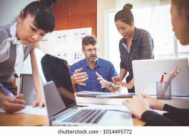 Business team in a meeting For Successful Planners.Business success teamwork concept
