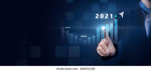 Zielsetzung für Unternehmen und Technologie im neuen Jahr 2021 Auflösungsstatistik Statistik Umsatzsteigerung, Planungsstrategie, Icon-Konzept Business Man Kopiere blauer Hintergrund