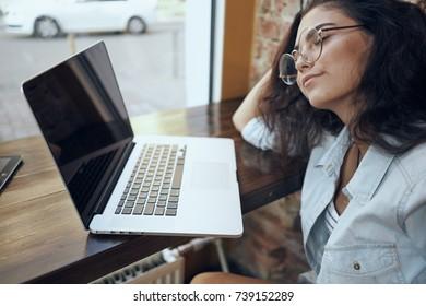 business woman, laptop