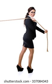 the business woman pulls a rope