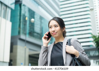 Business woman talk to cellphone
