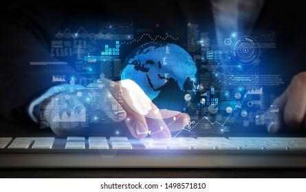 Geschäftsfrau, die auf der Tastatur mit globalem Systemkonzept tippt