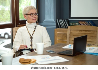 Business woman at work in the office.