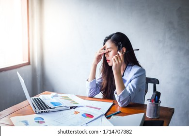 Business women with stress In the period of economic downturn With regular work