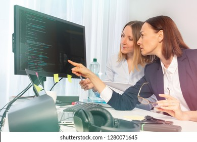 Business women working on computer in the office