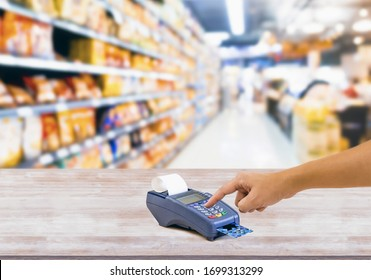 Businessman Credit card payment, buy and sell products & service