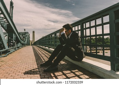 Businessman feeling fail because him unsuccessful in job,Business Concept.