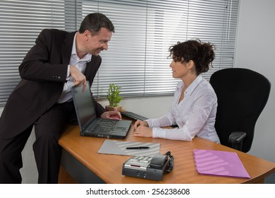 Businessman presenting his product to the woman