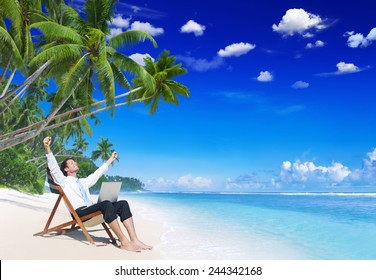 Businessman Relaxation Vacation Working Outdoors Beach Concept