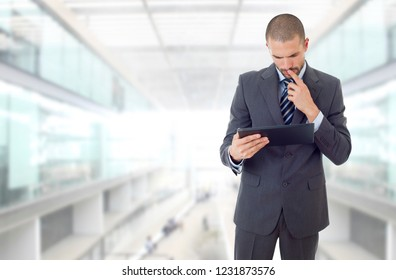 businessman working with a tablet pc, at the office