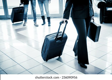 Businesswoman arriving at the hotel.