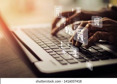 Geschäftsfrau Laptop mit , Online-Shopping-Konzept: Vintage-Konzept