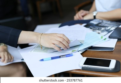 Businesswoman are prepare a contract documents agreement