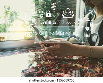 businesswoman works on smartphone about online marketing-business concept-free icon from pixabay.com