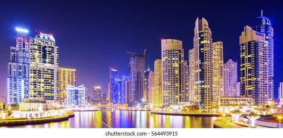 Bussy evening on canal and promenade in lyxury Dubai Marina,Dubai,United Arab Emirates