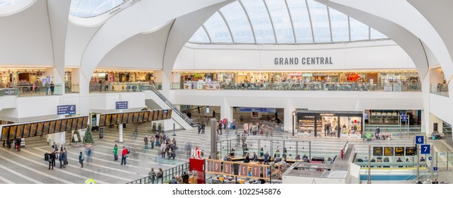 Busy day at Grand Central shopping center and Birmingham New Street Station, Birmingham (UK) - 20 November 2016